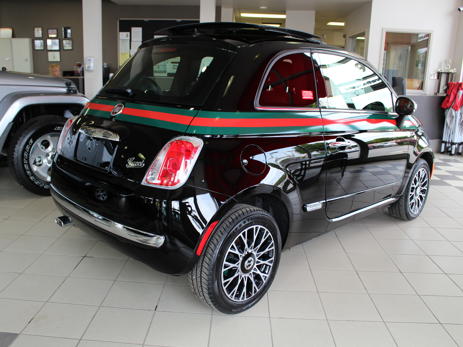 2013 fiat 500 gucci ottawadodge. Black Bedroom Furniture Sets. Home Design Ideas
