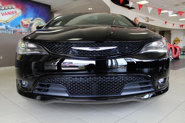 2015 Chrysler 200 For Sale