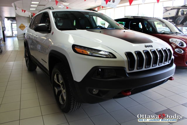 2014 Jeep Cherokee Trail Hawk at Ottawa Dodge